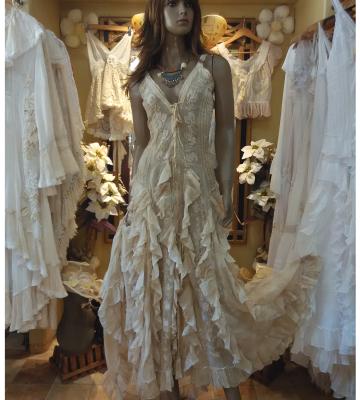 Vestido bamba bordado taupe